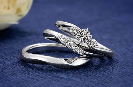 結婚指輪との重ねづけもできます