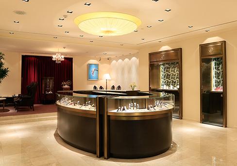 長野市ブルージュ一真堂店内|長野市で人気の結婚指輪・婚約指輪ブランド
