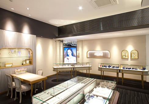長野市ブルージュ一真堂正規取扱い結婚指輪・婚約指輪ブランドのAHKAH(アーカー)