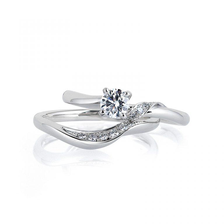 Drape(ドレープ)Destiny(ディスティニー)|LUCIE婚約指輪 結婚指輪