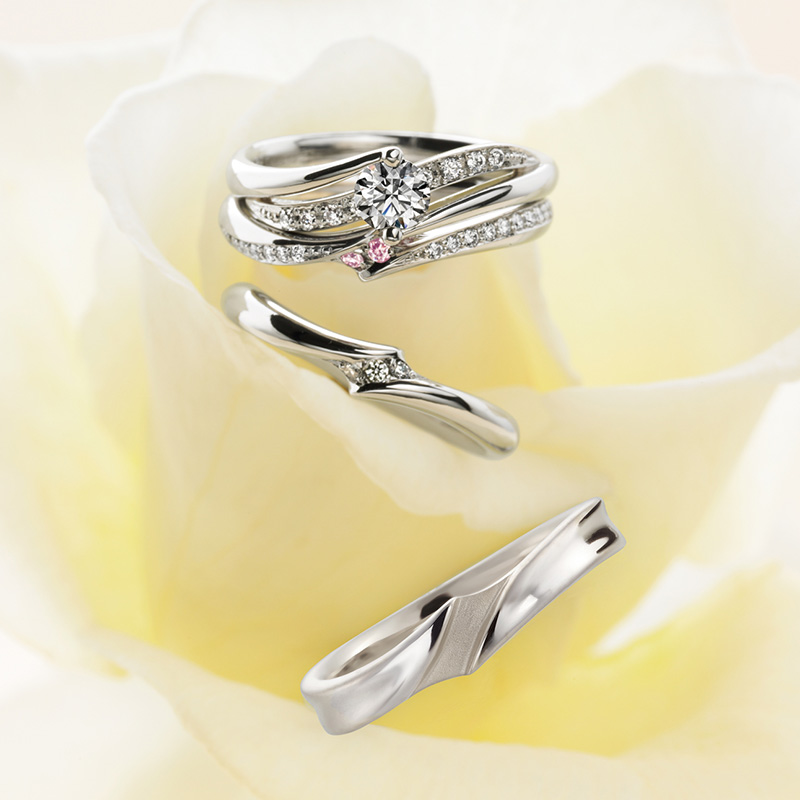 Premiere(プルミエール)マリアージュエントの婚約指輪、結婚指輪のセットリング