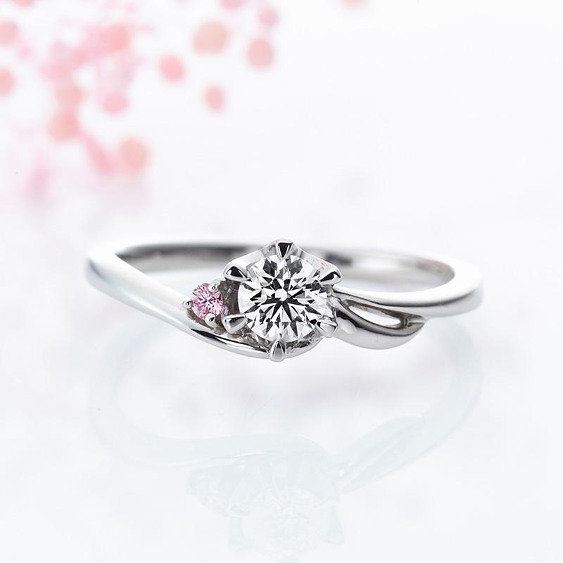ウィンド ミルクアンドストロベリー婚約指輪