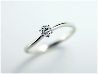 クッカクッカプティの婚約指輪をお作り頂きました。