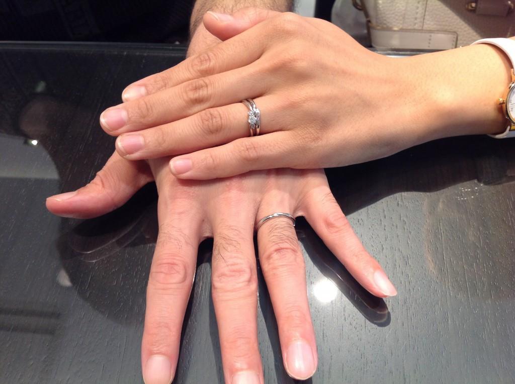 ロイヤルアッシャーダイヤモンド婚約指輪・カフェリング結婚指輪をお作り頂きました。