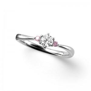 ポンテヴェキオの婚約指輪をお作り頂きました。