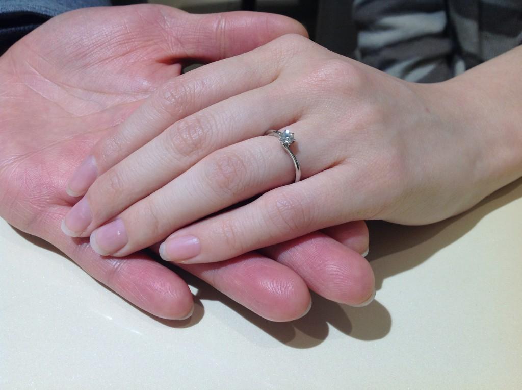 ロイヤルアッシャーの婚約指輪をお作り頂きました。