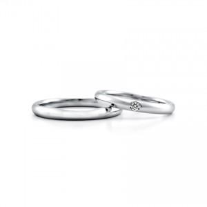 ロイヤルアッシャーダイヤモンドの結婚指輪をお作りいただきました。