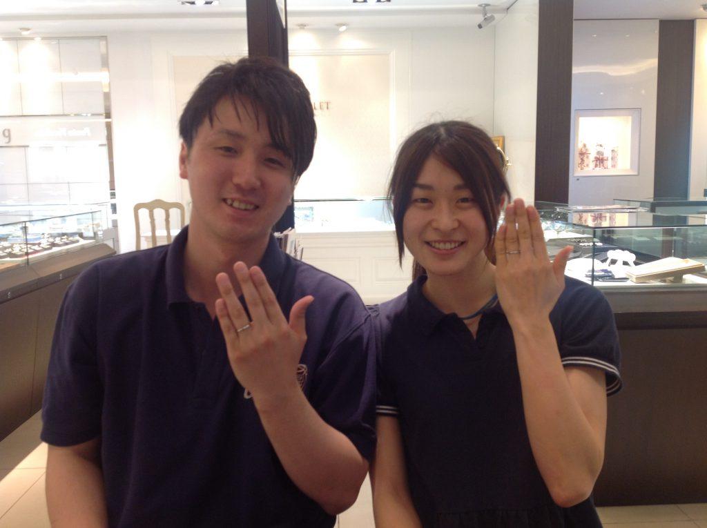 ロイヤルアッシャーダイヤモンドの婚約指輪・結婚指輪お作り頂きました。