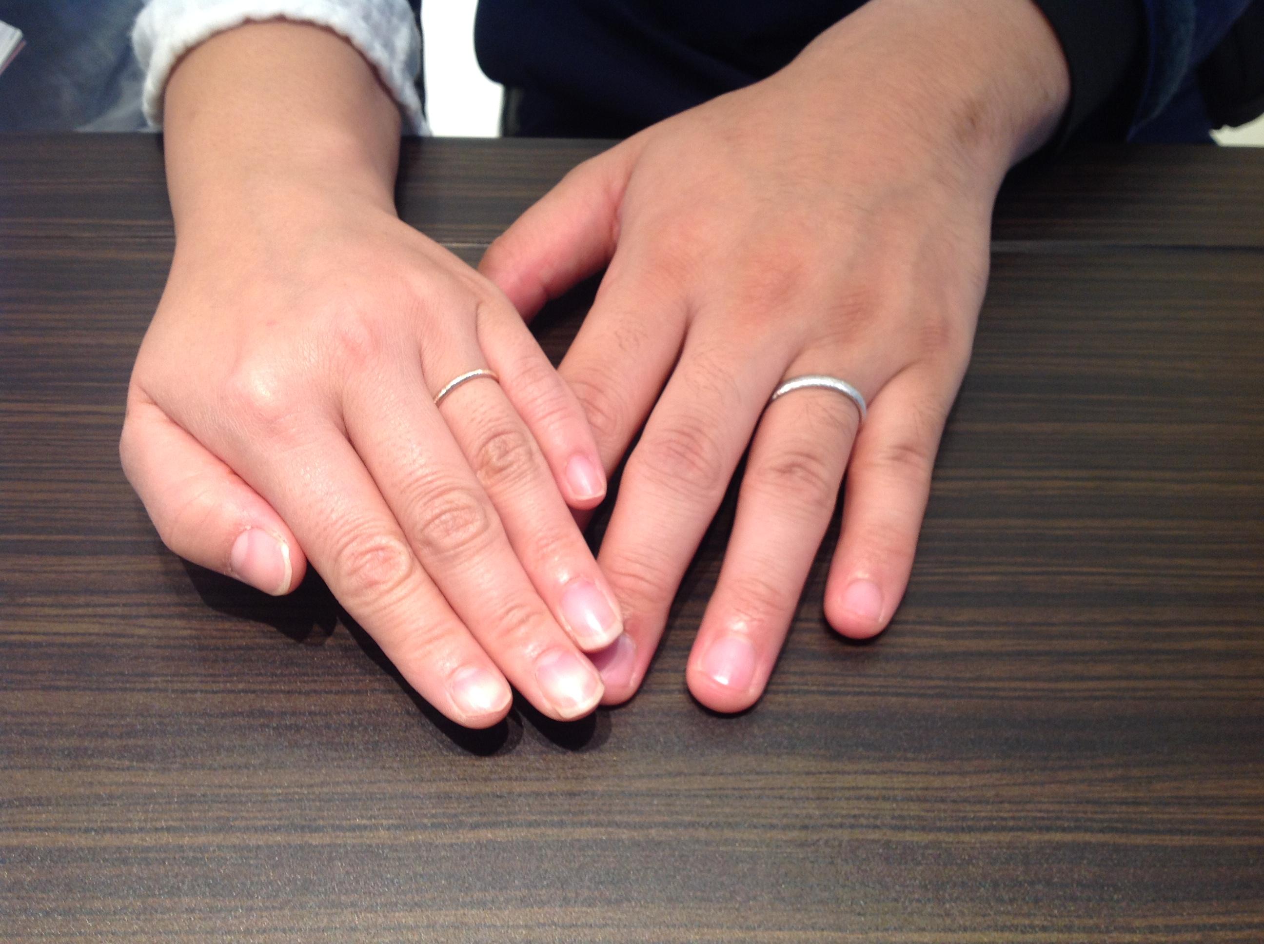 PAVEO CHOCOLAT(パヴェオショコラ)の結婚指輪をお作り頂きました。