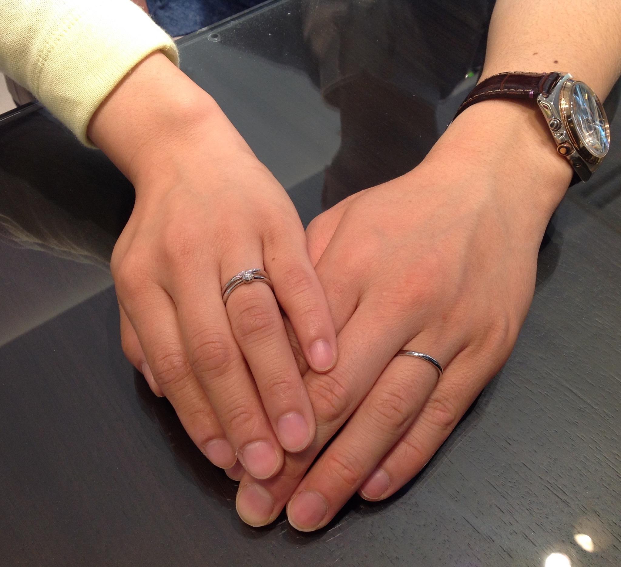 ロイヤルアッシャーのご婚約指輪とカフェリングのご結婚指輪をお作り頂きました