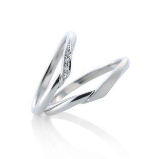 ロイヤルアッシャーのご婚約指輪、カフェリングのご結婚指輪をご納品致しました