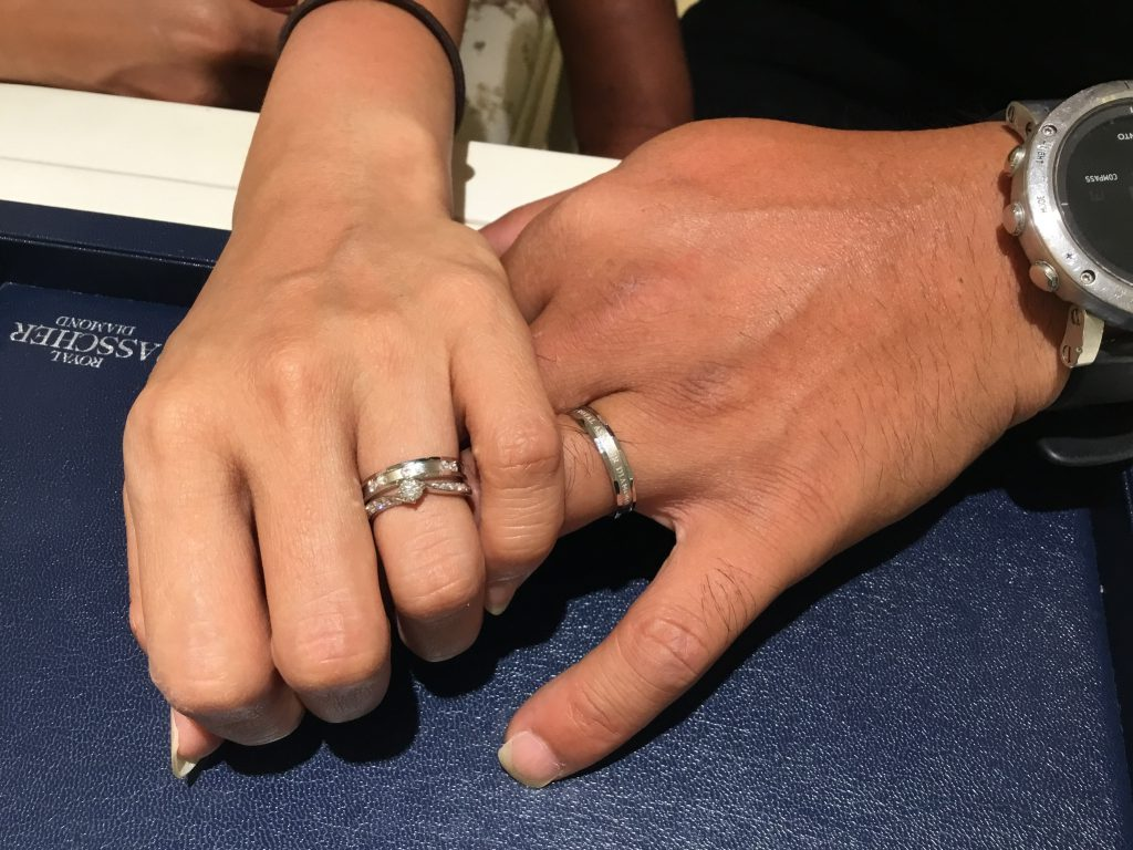 ロイヤルアッシャーのご婚約指輪とご結婚指輪をご納品致しました!